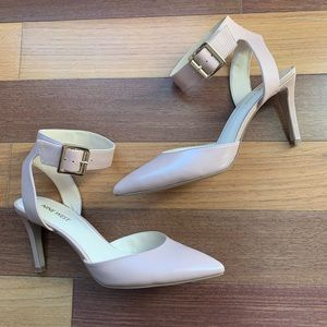 Nine West Nude Blush Ankle Strap Pointed Toe Heels